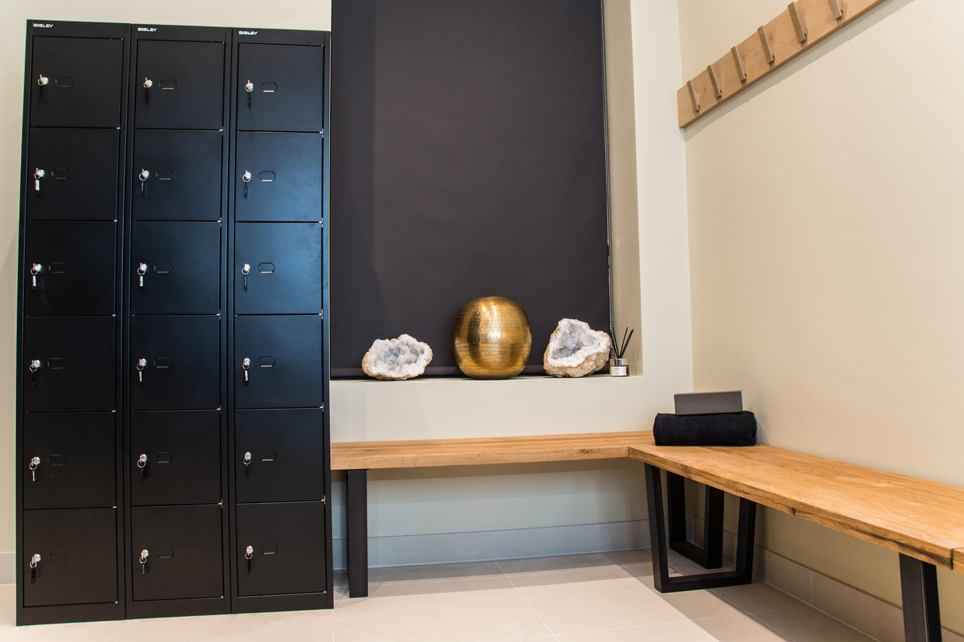 Be Yoga Space changing room bench
